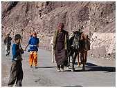 slides/95317067.jpg Himalaya Indien Kloster Ladakh Motorrad Mönch Tanglangla Tempel Tso Moriri Tso kar 95317067